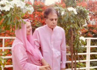 Dilip Kumar, Saira Banu clicked twinning in pink. Pic will make you smile
